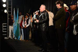Prefeito de Vargem Grande Paulista, Josué Ramos, público discursa na 42ª Romaria de Vargem Grande Paulista