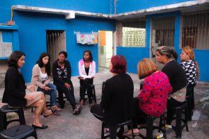 Professora Sônia reunida com mulheres de Itapevi