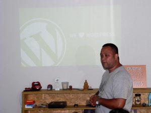 Rodrigo Vieira Silva durante o Participantes do Meetup Granja Vianna