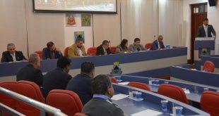 vereadores de Cotia reunidos para sessão da Câmara