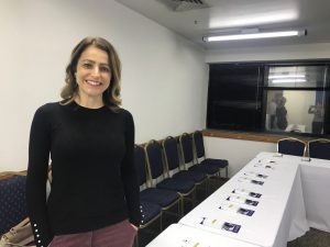 Drª Patricia Guidi posa para foto