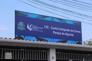 fachada do centro integrado de cursos