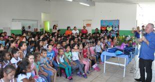 prefeito josué ramos palestra para dezenas de crianças da rede municipal