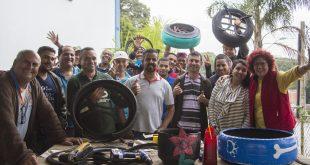 participantes da oficina de designer sustentável 'NeArte - Do Lixo ao Luxo' em Cotia