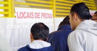 candidatos do vestibular do segundo semestre das Fatecs conferem locais de prova