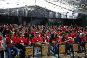 participantes da 2ª Campanha Municipal Contra as Drogas em  Vargem Grande Paulista reunidos em auditório