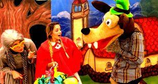 cena da peça 'Chapeuzinho Vermelho em: Uma Surpresa para o Lobo'