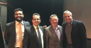 O prefeito Claudio Góes, o assessor consultor jurídico, Rafael Bonino e o assessor administrativo da Prefeitura de São Roque, Jessé Romero