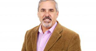 imagem promocional do vereador Julio Mariano contra um fundo totalmente branco