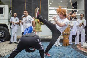 uma roda de capoeira na 1ª Caminhada pela Cultura de Paz