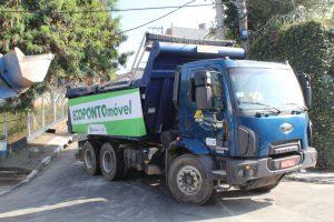 um caminhão de ecoponto móvel durante a ação meu bairro melhor