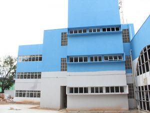 fachada do novo Centro Administrativo em obras