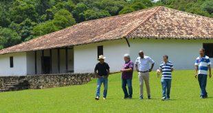 vereador Alexandre Pierroni em visita técnica no Sítio Santo Antônio
