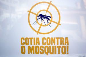 banner de campanha contra a dengue, com um mosquito dentro de uma mira e os dizeres 'cotia contra o mosquito'