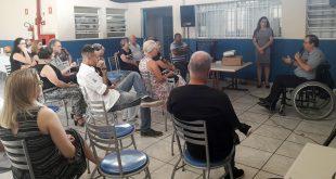 participantes reunidos na APAE Cotia