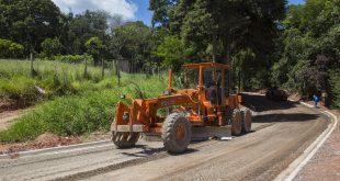 Prefeitura de Cotia avança com as obras de pavimentação da Estrada dos Pereiras
