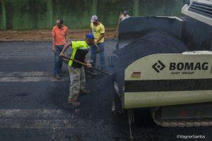 obras de pavimentação na Estrada Normandia