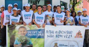 participants da patrulha da dengue posam para foto no bairro cidade ariston