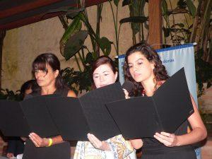 as três novas integrantes do club prestam seus juramentos