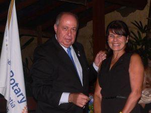 Edson Borcato e Celia de Oliveira Pawel posam para foto