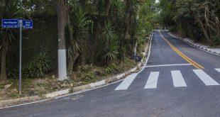 esquina da estrada zurique recém-sinalizada