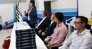 prefeito josué ramos discursa aos formandos do curso do senai