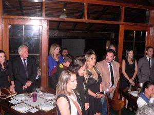 convidados do evento acompanham discurso de Marília