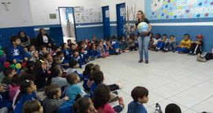 alunos da EM Chácara Cantagalo acompanham palestra