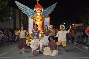 bloco Santa Quitéria desfilando no carnaval de são roque 2019