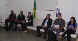 Julio Cesar, Stephano, Goreti, Sergio, Fernandes e Marcia na mesa diretora do conseg