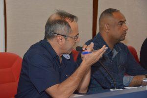 dr. castor discursa durante a audiência pública com a sabesp