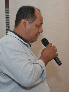 eduardo nascimento discursa durante a audiência pública com a sabesp