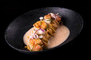 Spaguetti artesanal com Bisque Thai do Comadres Momentos & Sabores