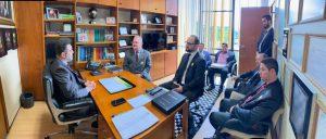 prefeito josué ramos e autoridades reunidos em escritório em Brasília