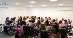 gestores escolares da rede de carapicuíba acompanham orientações sobre o programa Meio Ambiente nas Escolas