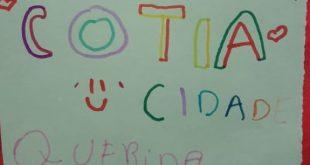 palavras escritas a mão por aluno de cotia em homenagem à cidade