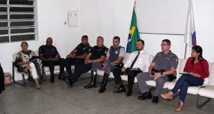 membros natos e autoridades do conseg ouvindo a pouplação
