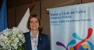 Rotary Club de Cotia Granja Viana empossa nova presidente