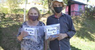 Cotia/SP – Kits de Inverno são distribuídos para idosos de instituições e do serviço de convivência
