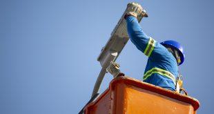 Programa da Prefeitura de Cotia está ampliando os pontos de iluminação e melhorando a qualidade dos existentes