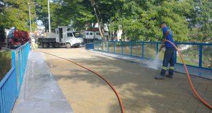 Sábado (23) foi dia mutirão de limpeza na região central de Cotia