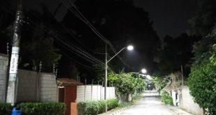 Ruas da Vila Santo Antônio, região da Granja Viana, recebem lâmpadas LED