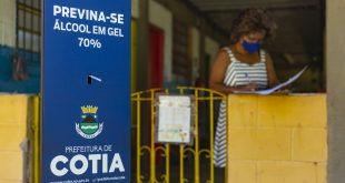 Desenvolvimento Social disponibiliza totens de álcool 70% para entidades de Cotia