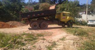 Cotia/SP- Guarda Ambiental e PM Rural flagram descarte irregular de entulho em área de preservação